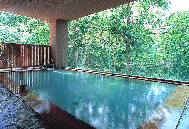 ホテル甘露の森>ニセコ昆布温泉|「森の天空露天風呂」で美白・つるつる ...